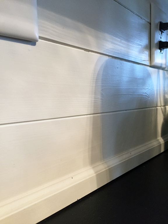 trim used at between the backsplash and countertop (from Lowe's)